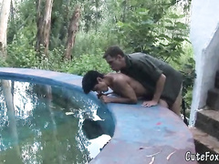 Flawless buddies are getting laid outdoors