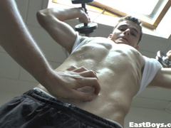 Cute gay got seduced while doing exercises